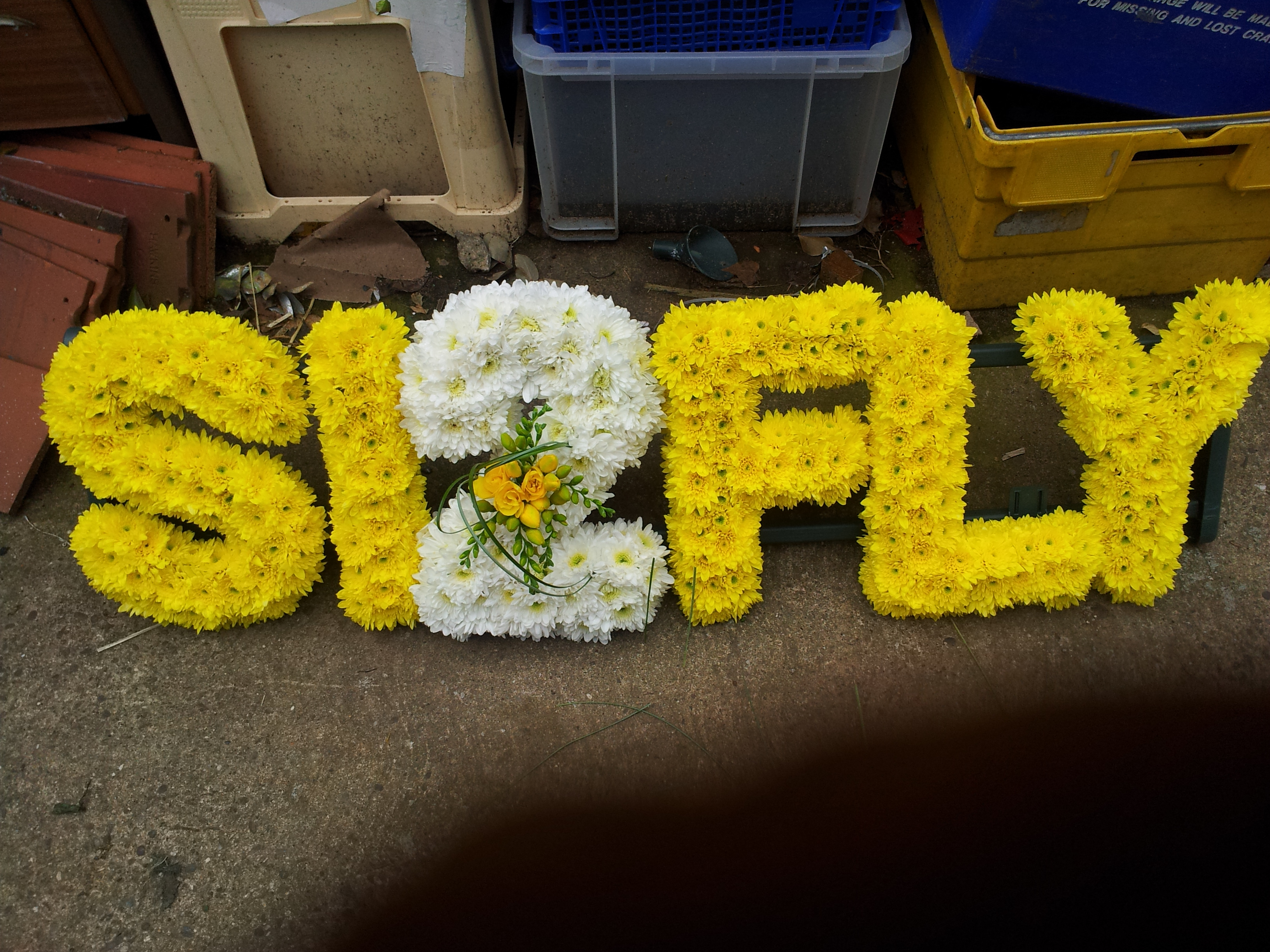 how to make funeral flower letters